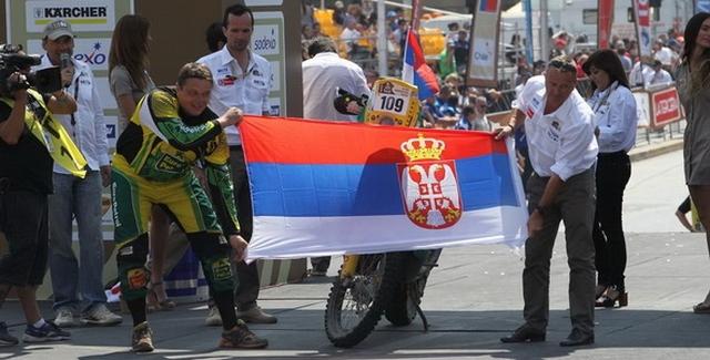 Gabor Sagmaister danas stiže u Beograd