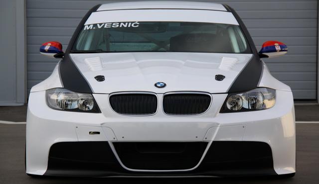MILOVAN VESNIĆ PREDSTAVIO BMW 320si S2000