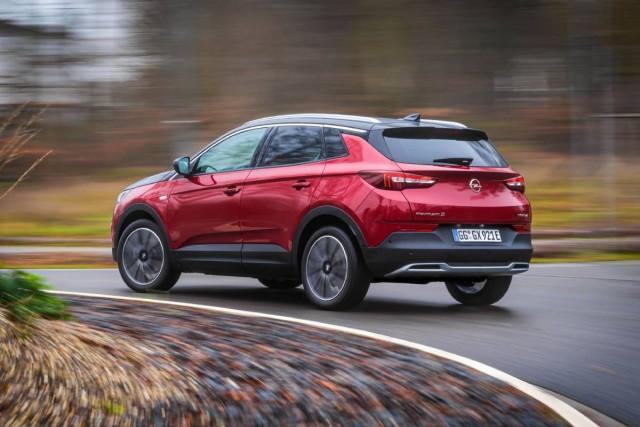 Nečujno kretanje: Opel Grandland X sa Električnim ponognom na sva četiri točka