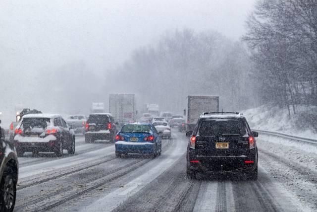 ulica saobracaj sneg